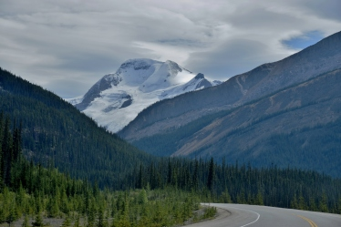 Travelling down the Icefields Parkway